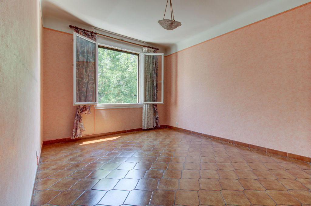 appartement-toulon-3-piece-s-81-83-m2
